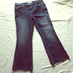 Free People Flare denim Crop jean. Size 31.